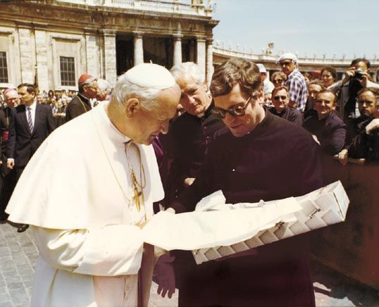 Pope JP II with Canon Howard Root